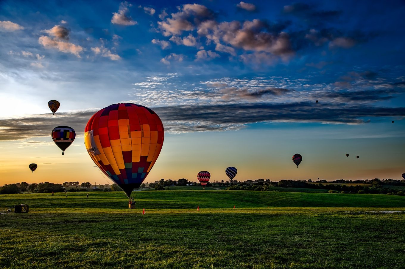 adventure-aircraft-balloon-210012